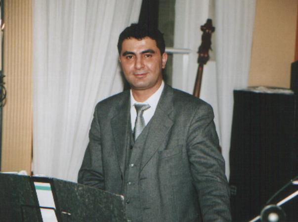 You are browsing images from the article: Öldürürse Beni Aşkın  Öldürür - Erdal Erdoğan